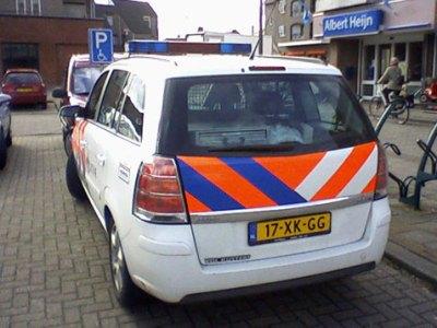 foutparkeren politie op gehandicapten parkeerplaats