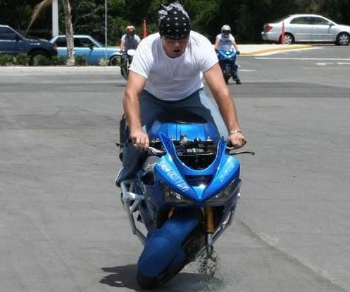 oops-motor-wheelie