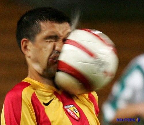 oops-voetbal-gezicht
