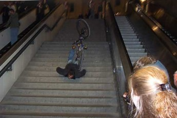 faceplant-bicycle-stairs