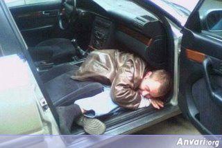 dronken-slapen-auto