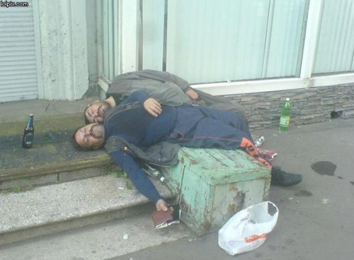 dronken-slapen-stapelbed